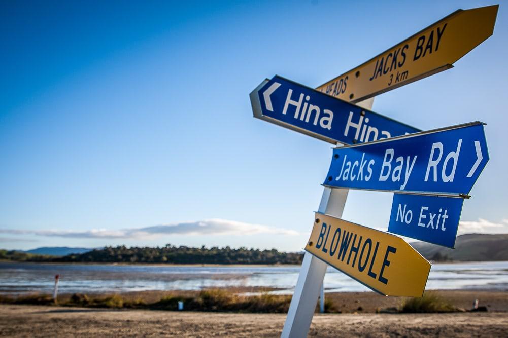 Straßenschild Blow Hole in Neuseeland