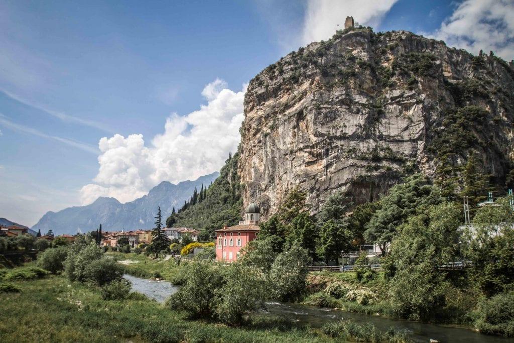 Arco und Burg an der Sarce