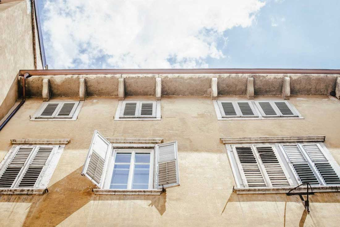 Fensterfront in Rovereto