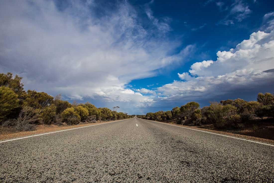 Straße im australischen Outback